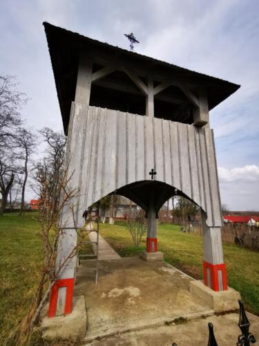 Biserica de lemn din Cristesti (1)